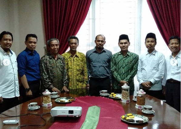 Ketua STIS Darusy Syafaah Tanda Tangani MoU Dengan Fakultas Syariah IAIN Metro